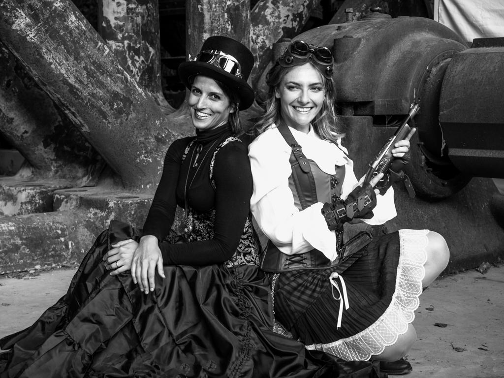 Sutter Wolfgang - Zwei Steampunk Ladies